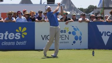 Long wins Vic Open in dramatic finish